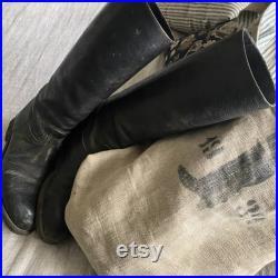 Bottes d équitation antiques, tout en cuir, patchés usés,