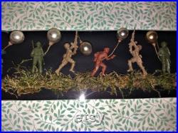 Cabinet de Curiosités diorama aux soldats création unique
