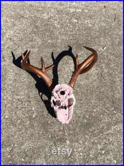 Crâne de cerf peint rose et bronze fait main HomeLiving Décor