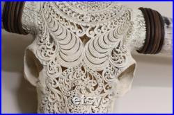 Crâne gravé, crâne rustique, crâne de buffle d eau avec cornes pulmonaires, décoration intérieure, motif tribal Boho avec de vraies cornes pulmonaires