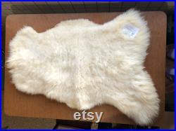 Épais peaude de mouton blanc lavable