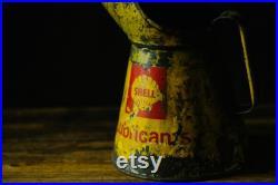 Paire de VINTAGE Retro SHELL Oil POURERS Jugs Cans Yellow Lubricants Tractor Oil