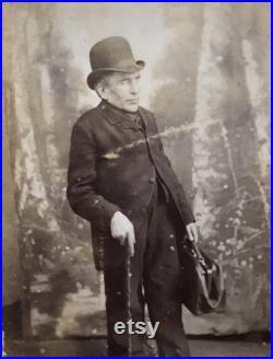 Rare Antique Victorian Carte De Visite CDV Photo d'un Gentleman atteint du syndrome de Toulouse-Lautrec