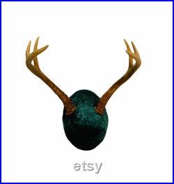 Real Deer Skull Buck avec handmade green velvet Home Decor Primitive Decor Luxury Gift Rustic Country Decor 6 Point Buck