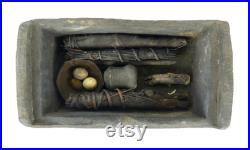 Sanctuaire de cérémonie Ifugao et ses accessoires Philippines Fin XIXe